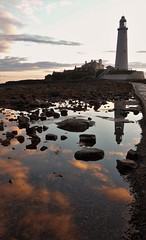 St. Mary's Lighthouse Rockpool Reflection (Gilli8888) Tags: whitleybay sunrise lighthouse stmaryslighthouse tyneandwear dawn clouds sky light batesisland coast eastcoast northsea coastline seascape silhouette