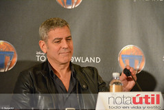 George Clooney (NotaUtil) Tags: bird jeff brad canon movie hotel tim george dr cassidy disney follow hills montage conference beverly press tomorrowland athena clooney jensen mcgraw urania subscribe damonlindelof raffey notautil