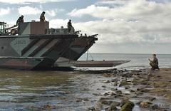 Texel 70 jaar bevrijd. (Romar Keijser) Tags: en marine 5 4 craft utility landing ii mk2 mei 20 texel leger korps koninklijke historisch 2015 bevrijding oudeschild bevrijd voertuigen lcu mariniers landingsvaartuig