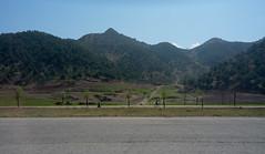 Route Pyongyang - Kaesong (jonathanung@ymail.com) Tags: lumix countryside asia country korea asie campagne nord northkorea corée dprk boeuf cm1 koryo coréedunord insidenorthkorea républiquepopulairedémocratiquedecorée rpdc lumixcm1