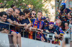Campions Lliga 2015/16 (Fototerra.cat) Tags: barcelona bus nikon catalonia mascara catalunya rua futbol bara fcbarcelona champions fcb escut senyera campions blaugrana fototerracat