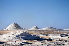 White desert, Egypt (pas le matin) Tags: desert travel sahara voyage egypt gypte world sec dry sky ciel blue africa afrique sandstone limestone sand sable rocks landscape paysage canon 7d canon7d canoneos7d