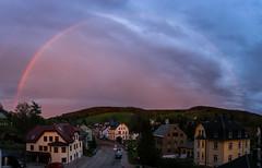 Blick aus dem Fenster (jakob.jonscher) Tags: sonnenuntergang dorf wolken baustelle blau bunt regenbogen huser burkhardtsdorf