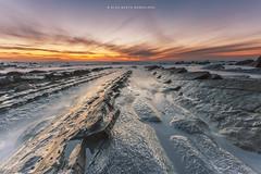 Barrika al desnudo (PITUSA 2) Tags: naturaleza atardecer playa paisaje paisvasco barrika pitusa2 elsabustomagdalena bajandolamarea