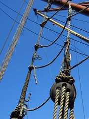 #25 Diagonal lines (Pat's_photos) Tags: london lines boat rope pulley rigging week13 thamesbarge 7daysofshooting texturetuesday 101pics201525