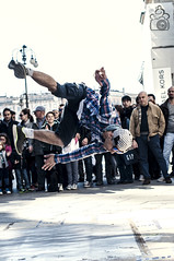 Jump (Elisa Moretti) Tags: street jump milano danza musica streetperformer salto duomo breakdance fotografia sole ballare streetphotograhy acrobazie elisamoretti