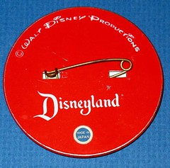 Vintage Disneyland Goofy Flicker button - back