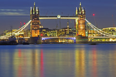 Tutti i colori del ponte / All the colors of the bridge (Tower Bridge, London, England) (AndreaPucci) Tags: uk london night towerbridge bermondsey canonef24105mmf4lis canoneos60 andreapucci