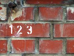 """""""One two three"""" bricks (Lukinator) Tags: two brick texture one three bricks nail eins mini finepix groove fujifilm middle simple mitte minimalistic minimalist zwei nagel midpoint zahlen drei hs20 ziegelsteine textur nummer simpel nummern zahl ziegelstein minimalistisch rillen mittelpunkt"""