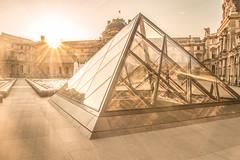 sunrise au Louvre (picfromparis) Tags: city paris france monument architecture sunrise canon photography photo europe place capital parisien