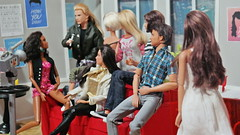 """Aretha Rangel from Pop Dolls Fashion doing an interview with the cast of the new series """" Dolls in the City"""" . (Fher Dolls) Tags: woman andy look wonder doll dolls ken barbie lord ring warhol basics the"""