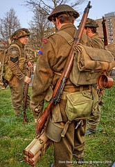 Canadian Army,Re-enacment of Liberation Groningen stad 1945 ,the Netherlands,Europe (Aheroy(2Busy)) Tags: history actors europe military wwii nederland thenetherlands ww2 soldiers groningen 1945 liberation secondworldwar groningenstad canadianarmy reenacment paterswoldseweg aheroy aheroyal beautifulgroningen bevrijdinggroningennl 70jaarbevrijdinggroningen