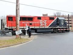 BL20GH-128 USA 04-10-2015_0017 (Ron Persan) Tags: usa trains locomotive danburyct metronorth 2015 connnecticut bl20gh bl20gh128 brookvilleequipment ronpersan