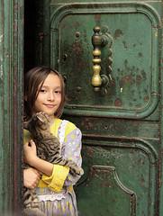 SG104364x (serkansenturk85) Tags: door portrait love girl fashion cat turkey pentax moda istanbul cocuk pati kedi portre ask sevgi kap 500px k10d