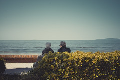 Follonica (Marcello Iaconetti Photography) Tags: sea italy colors nikon mare tuscany aged nikkor toscana lungomare golfo carducci lightroom panchina 5014 marciapiede d600 follonica anziane