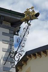 Htel de Ville de Sion (canton du Valais) (bernarddelefosse) Tags: suisse valais sion hteldeville gargouille