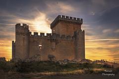 Dejemos de construir castillos en el aire y pongamos la primera piedra (nurianl) Tags: paisajes landscape atardecer castillo zamora castillayleon canon6d