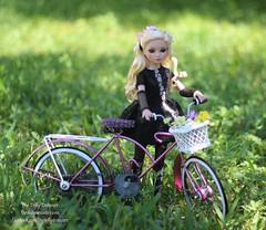 Ellowynes New Bike (thedollydreamer) Tags: doll vinyl westcoast limitededition exclusive articulated soldout tonner ellowynewilde roberttonner newyearnewlook wildeimagination ellowyne thedollydreamer bridgetdellaero