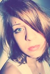 Die Liebe ist einugig, aber Hass gnzlich blind. (rehayleyre) Tags: blue eye love me girl hair happy one eyes day mood good lazy hate feelings selfie oneeyed