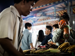 Ph Quc 02 (arsamie) Tags: woman man water night pepper island corn market drink bbq vietnam mam grilled dong phu quoc duong nuoc