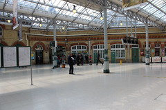 The concourse at Eastbourne (S J Obey) Tags: building station grade ii eastbourne bannister concourse listed lbscr fdale