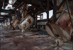 **DEMANUFACTURE** (**THAT KID RICH**) Tags: orange usa abandoned rooftop danger canon drums rust ruins industrial factory decay baltimore explore forgotten urbanexploration massive derelict trashed manufacturer urbex howardjohnson hojo tkr pemco thatkidrich richzoeller richardzoeller