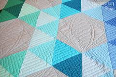 Wynkoop Court in AMB solids (Sassafras Lane Designs) Tags: triangles court made american lane solids designs hexagons brand sassafras wynkoop
