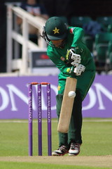 Womans_ODI_0015 (john.mallett) Tags: cricket ecb odi englandvpakistan womanscricket englandwoman fischercountyground