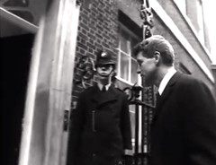 1963. No 10 Downing Street, Westminster, London, SW1. UK. United States Senator Robert Kennedy Arrives For Talks With New Tory Prime Minister Alec Douglas Home. (sgterniebilko) Tags: street uk usa london westminster station yard scotland 60s 10 senator no ad police harold delta row cannon wilson 1960s alpha metropolitan 1963 sw1 downing robertkennedy constables