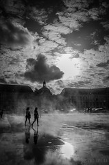 Miroir d'eau (enzocamarra) Tags: white bordeaux pluie du mai fte miroir nuages blanc printemps deau vins fleuve 2015 gironde