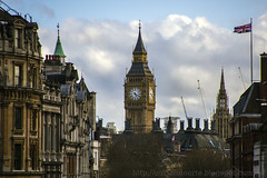 Londres (Nuria Domnguez) Tags: street city sky cloud london calle edificios bigben ciudad cielo nubes londres reloj parlamento nuriadomnguez