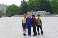 Kids at the Juche Tower (Daniel Brennwald) Tags: korea northkorea pyongyang dprk juche nordkorea juchetower pjngjang