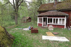 2016-05-18_04-58-20 (tommikv) Tags: abandoned forgotten abandonedhouse desolate derelict hyltty autiotalo