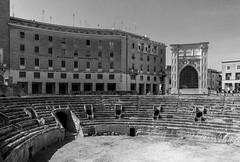 anfiteatro-7633 (marcoserracca) Tags: blackwhite barocco lecce anfiteatroromano