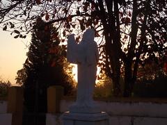 Anjo (Felippe Frigo) Tags: por do sol sunset padre gaspar tiradentes minas gerais brazil brasil landscape paisagens escultura ceu mineiros e mineiras
