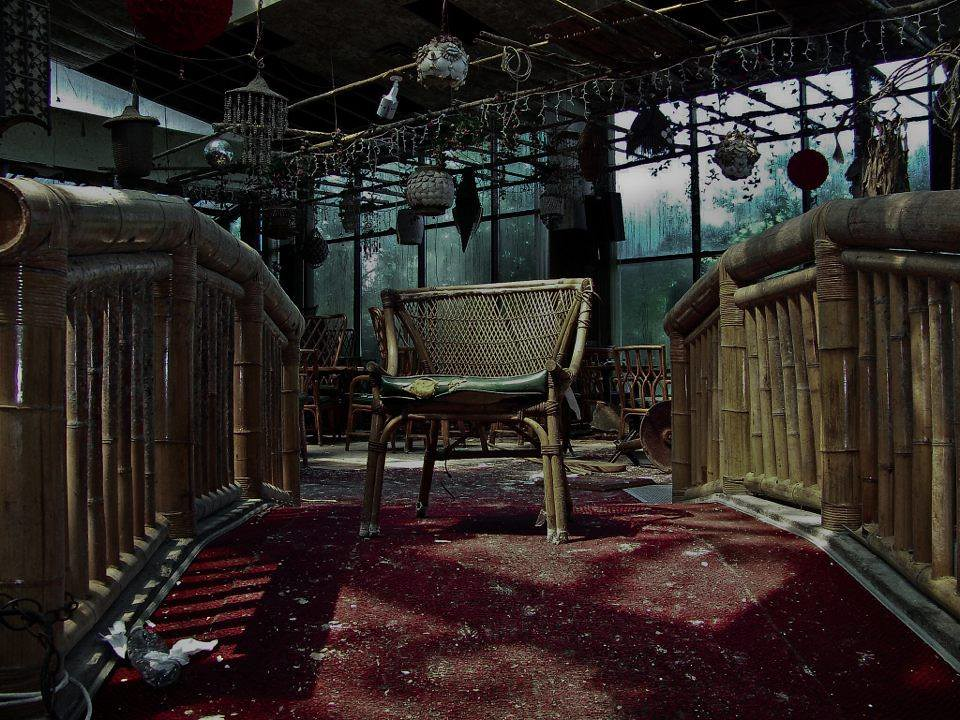 The world 39 s best photos of tiki and urbex flickr hive mind - Jardin interieur montreal colombes ...