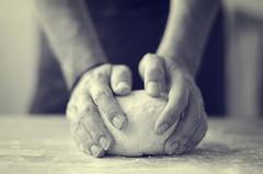 In process (Graella) Tags: hands manos mans masa pizza food cocinar trabajar work homemade people portrait retrato retrat 7dwf