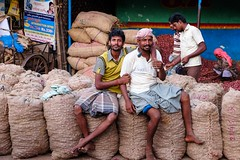 Al mercato delle cipolle (Fabionik) Tags: 2016 india tamilnadu trichy
