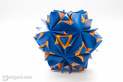 Origami Sonobe (Maria Sinayskaya) Tags: origami folded 10010 modularorigami kusudama sonobe mariasinayskaya  rectangle23 kamipaperduocolorcolor 15cmdoublesided daiyoshiko