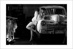 ford 1948 & Pin up (Emmanuel DEPARIS) Tags: hot ford 1948 up nikon pin noir rod et blanc pinup emmanuel modele d4 deparis