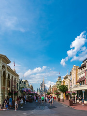 Walt Disney World 2015-82 (King_of_Games) Tags: orlando day florida disney disneyworld fl waltdisneyworld themepark magickingdom waltdisney mainstreetusa partlycloudy cinderellascastle projectweather