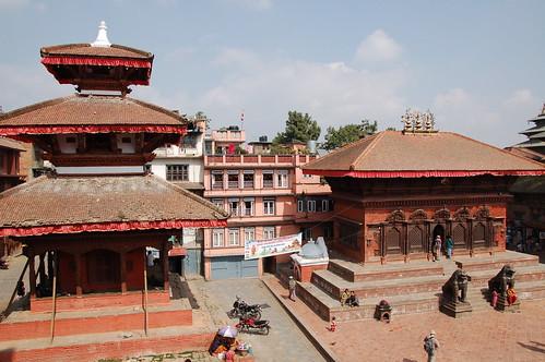 "d1 - Kathmandu - Durbar Square (28) <a style=""margin-left:10px; font-size:0.8em;"" href=""http://www.flickr.com/photos/125852101@N02/17255861773/"" target=""_blank"">@flickr</a>"