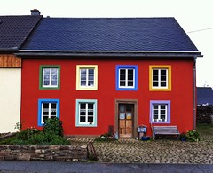Colour my World (heinrich_511) Tags: house color colour window architecture germany