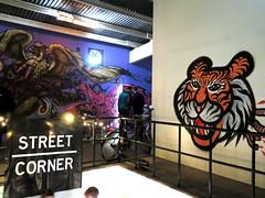street corner (telly negotrópica) Tags: street corner cabeza malmö tigre suecia