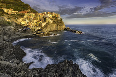 Classic view of Vernazza - Cinque Terre (Italy) (luke.switzerland) Tags: vernazza cinque terre italy seascape landscape sea cityscape waves travel rocks sunset longexposure nikon d810
