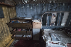 La Maison  de la Loi de la Jungle (Sous l'Oeil de Sylvie) Tags: old trash rural bed bedroom paint pentax bureau decay peinture april lit chambre avril vtements decayed commode vieux abandonned ks2 abandonn 2016 dcrpitude tiroirs rurex trashitude explorationrurale sousloeildesylvie ruralexploraition