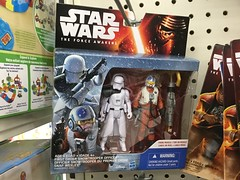 Hasbro Star Wars: The Force Awakens First Order Snowtrooper Officer and Snap Wexley (splinky9000) Tags: ontario toys star order force action first snap kingston xwing wars figures officer pilot wal hasbro mart the snowtrooper awakens wexley