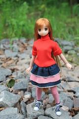 Walking... (Ninotpetrificat) Tags: cute toys rojo doll dress handmade hobby kawaii denim sao vestido puppe hechoamano azone asuna japantoy japandoll azonedoll ramoneras