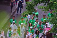 Paris Juin 2016 - 294 Carnaval du Borrgo sous la pluie avenue Gambetta (paspog) Tags: carnival paris france rain pluie borrego carnaval gambetta avenuegambetta carnavalduborrego carnavalborrego