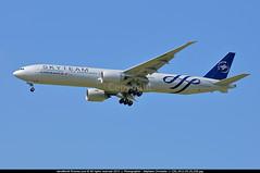 CDG.2012.05.29_039_awp (CHR / AeroWorldpictures Team) Tags: paris france air landing planes af spotting aircrafts cdg livery b777 lfpg skyteam b773 b773er b77w b777328er fgznn cn403761013